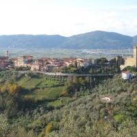 Lunigiana: boschi e castelli tra Liguria e Toscana