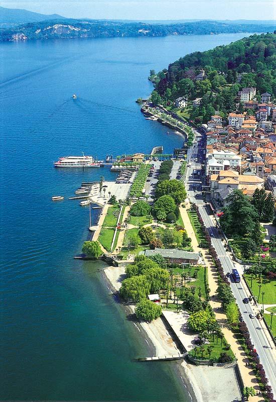 Lago maggiore un incanto sull 39 acqua ville casali for Lago srl