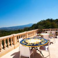 La terrazza con vista sulle colline toscane