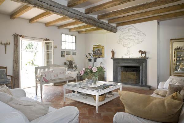 C bianca la provenza a bologna ville casali for Foto case arredate moderne