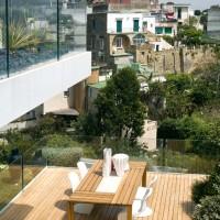 Il tavolo in legno di Roda