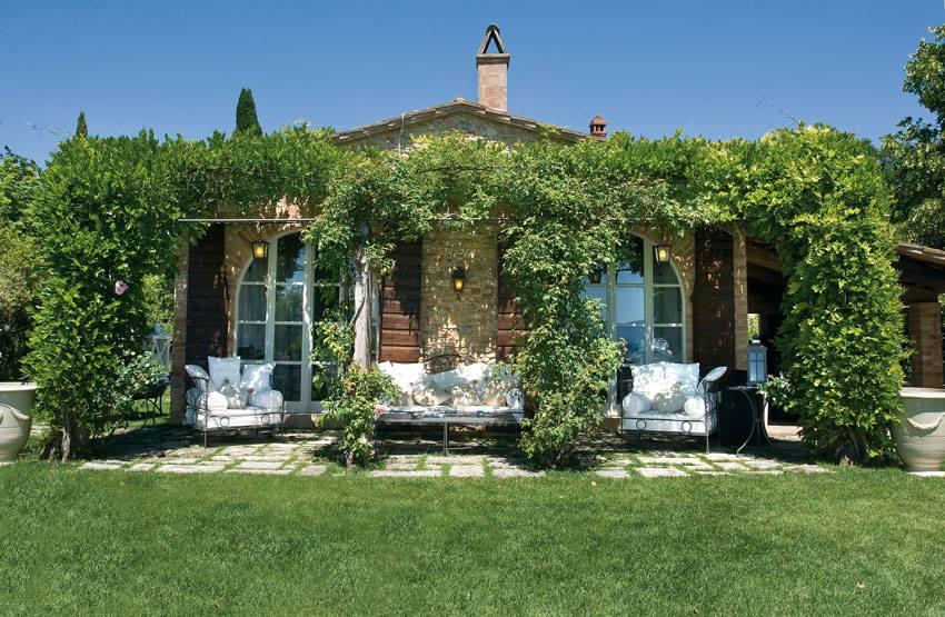 Cuore gentile con vista su todi ville casali for Case di pietra davanti