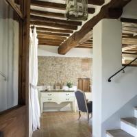 Un dettaglio della scalinata che unisce i diversi livelli dell'abitazione