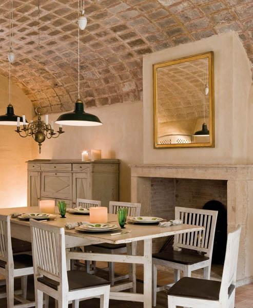 Confortevoli spazi in un 39 antica fattoria spagnola ville for Planimetrie in stile fienile