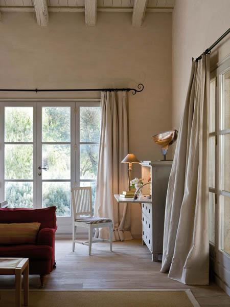 Confortevoli spazi in un 39 antica fattoria spagnola ville for Letto stile fattoria