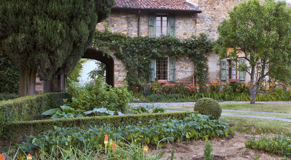 Prospettive d 39 autore nella pianura piacentina ville casali for Costruire giardini