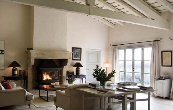 Confortevoli spazi in una fattoria spagnola ville casali for Interni di case antiche