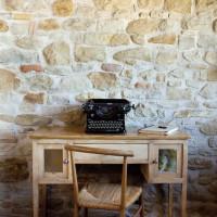 Una vecchia macchina da scrivere Olivetti