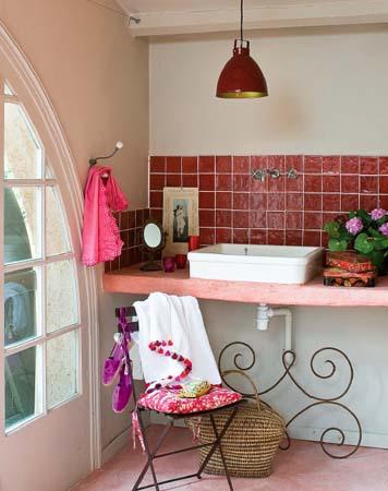 Vintage tra i colli ville casali - Piastrelle cucina rosse ...