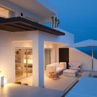 Un gioiello bianco sul mare di Ibiza