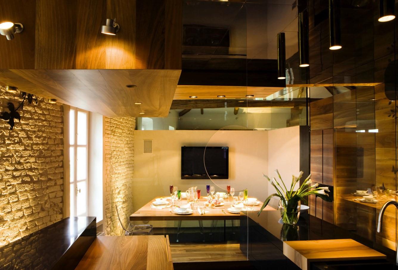 Arredamento moderno in una villa del seicento ville casali for Arredamento interni