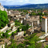 Comperare a Gubbio?Forse è il momento