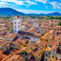 """Lucca: a spasso per la """"città silenziosa"""""""