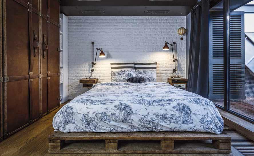 Stile industriale per un loft a sofia ville casali - Camera da letto stile industriale ...