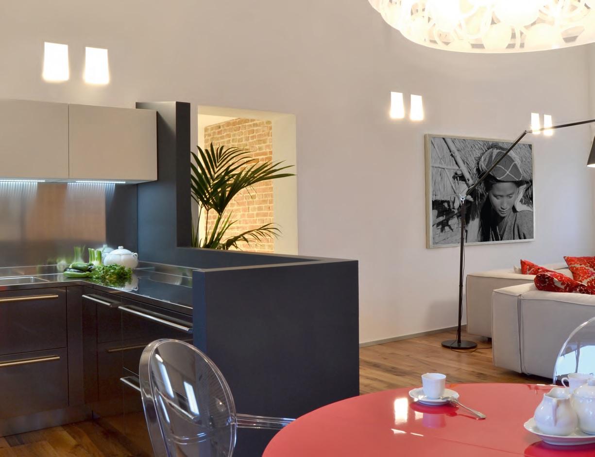 Arredamento moderno e antico excellent mobili per for Arredamento moderno e classico insieme