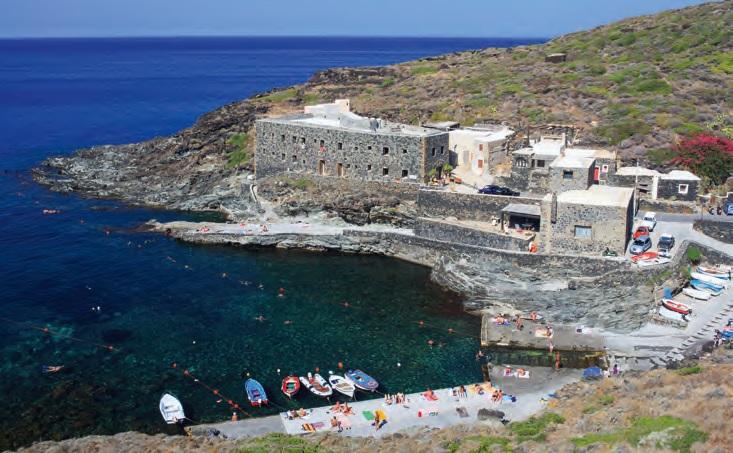 Comperare una casa a pantelleria ora conviene ville casali for Apri le foto di case di concetto