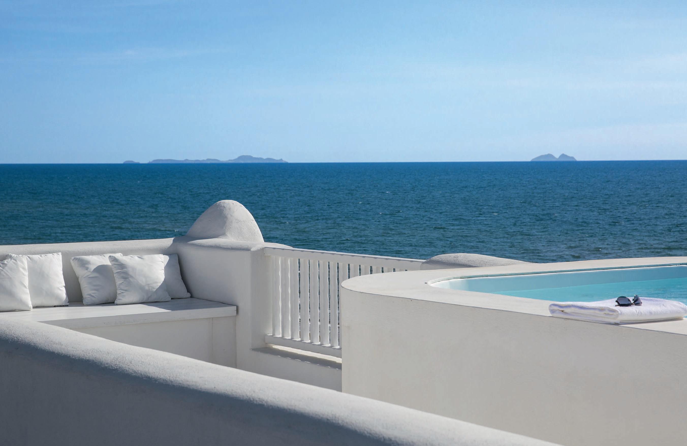 Una villa sulla costa il mare in casa ville casali for Architetto latina