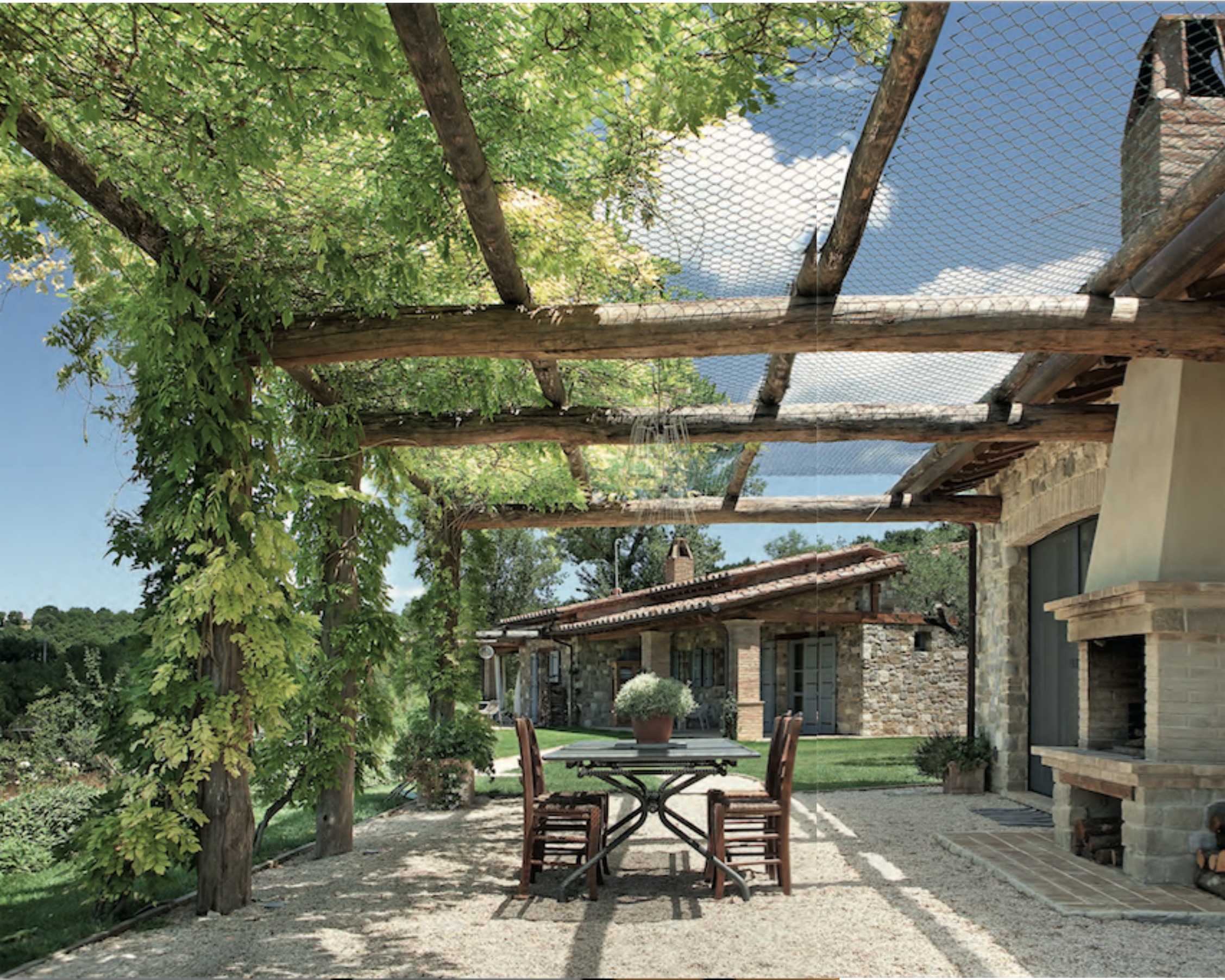 Casa di campagna segreta una meraviglia umbra for Una storia piani di casa di campagna francese