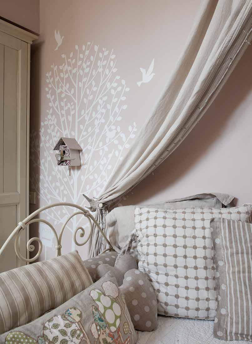 Casa romantica con dolci tocchi di stile for Piani di casa del merluzzo cape modificati