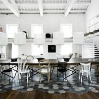 Restaurare una casa: contrasti e luce