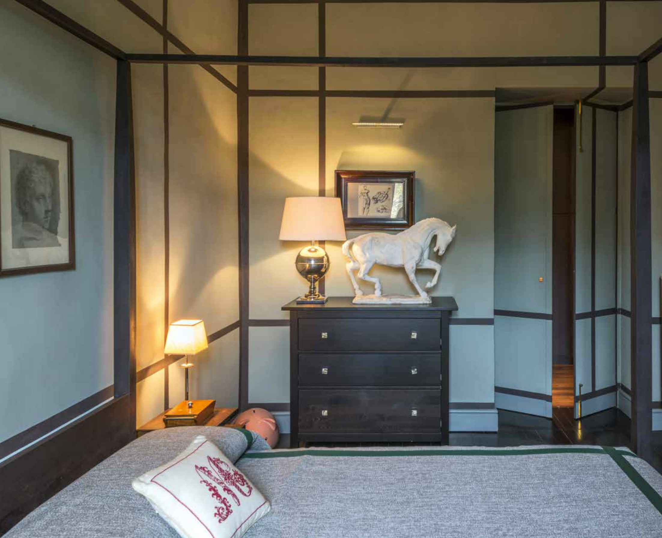Ristrutturazione di un appartamento con giochi di colori - Ristrutturare la camera da letto ...