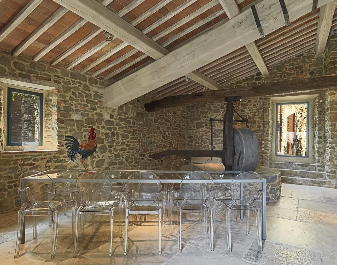 Soffitto Travi A Vista travi a vista: romantico restauro di un edificio antico