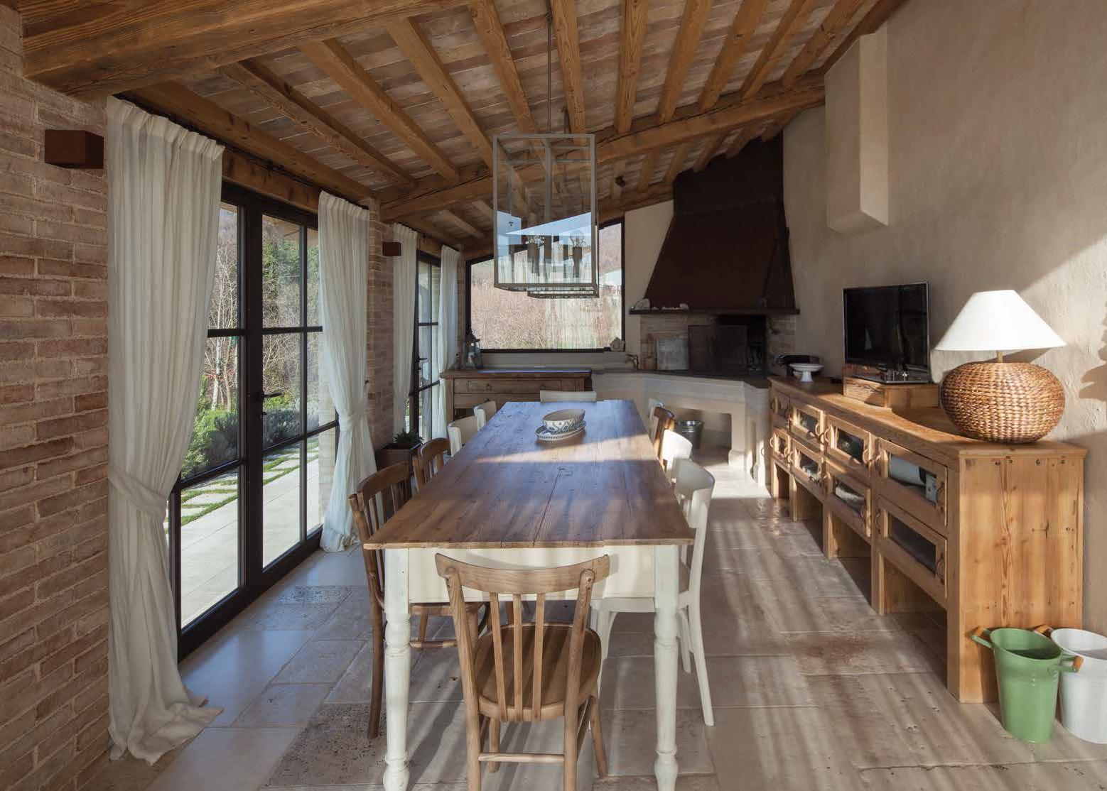 Portico o veranda la casa cambia faccia ville casali - Segreti per profumare la casa ...
