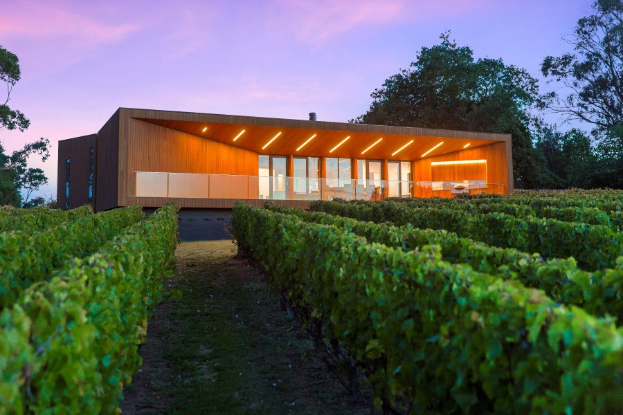 Architettura moderna nella regione dei vini ville casali for Architettura ville moderne