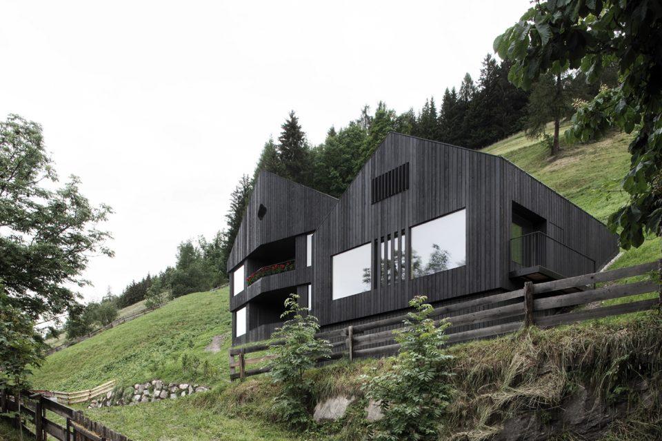 Case Di Montagna In Legno : Case di montagna: legno cemento e vetro ville&casali