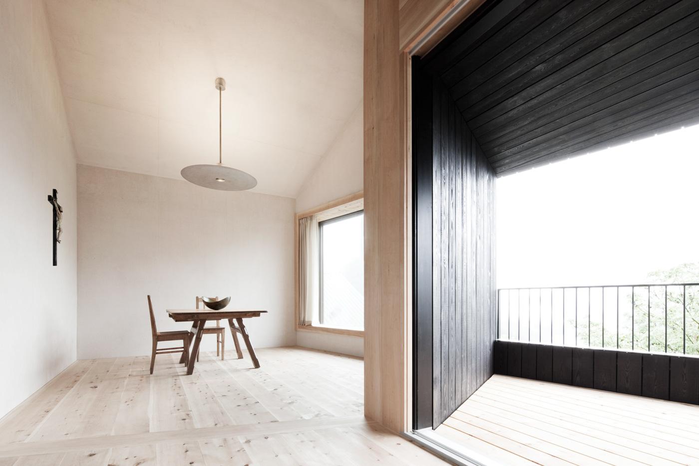 Case di montagna legno cemento e vetro ville casali for Case rustiche di montagna