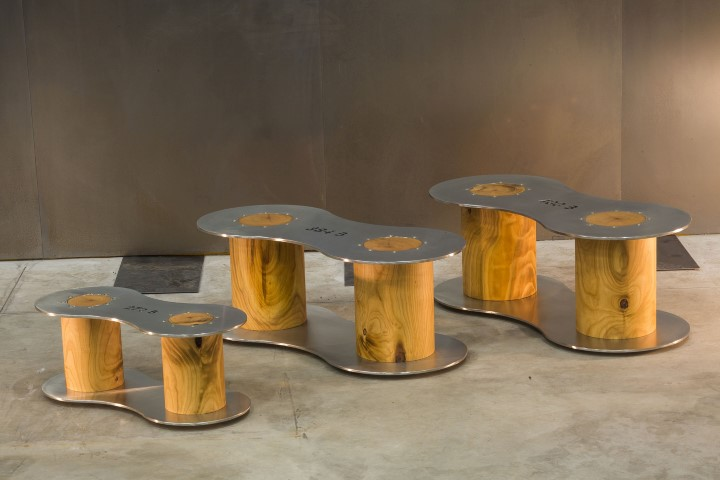 Complementi d arredo in legno e acciaio forza e calore for Complementi d arredo stravaganti