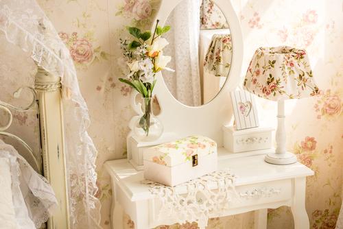Stile provenzale arredare una casa romantica ville casali for Piani di casa in stile country ranch
