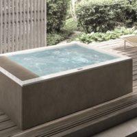 Vasca idromassaggio: dentro casa o in giardino?