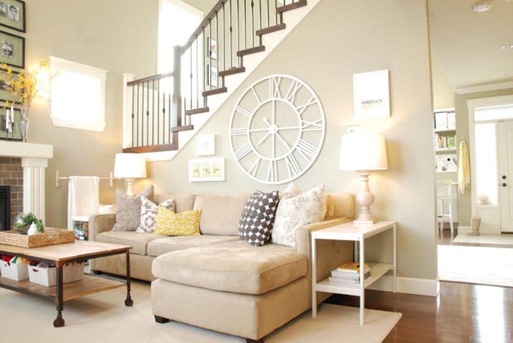 decorare parete dietro al divano