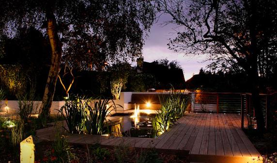Ville casali la prima rivista per comprare arredare e - Illuminare il giardino ...