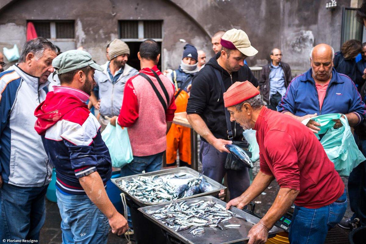 mercato pesce catania itinerario sicilia orientale