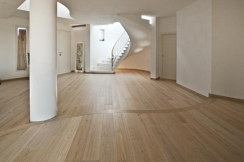 pavimenti per ristrutturazioni un parquet ultrasottile. Black Bedroom Furniture Sets. Home Design Ideas