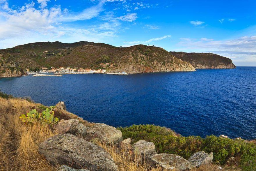 Isola capraia arcipelago toscano itinerario