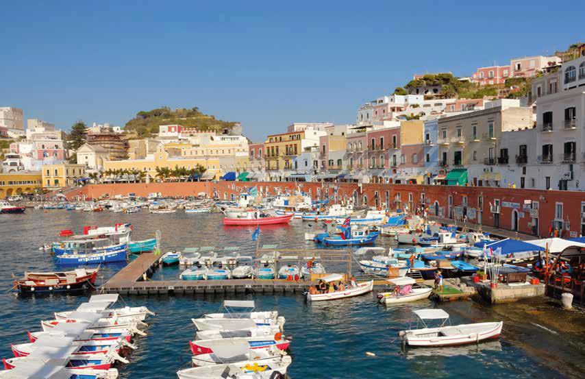 Vacanze a Ponza: la vera anima dell\'isola | Ville&Casali