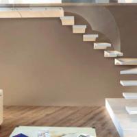 Lo stile delle scale da interni che caratterizza la casa