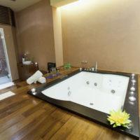 Arredare il bagno con la vasca idromassaggio