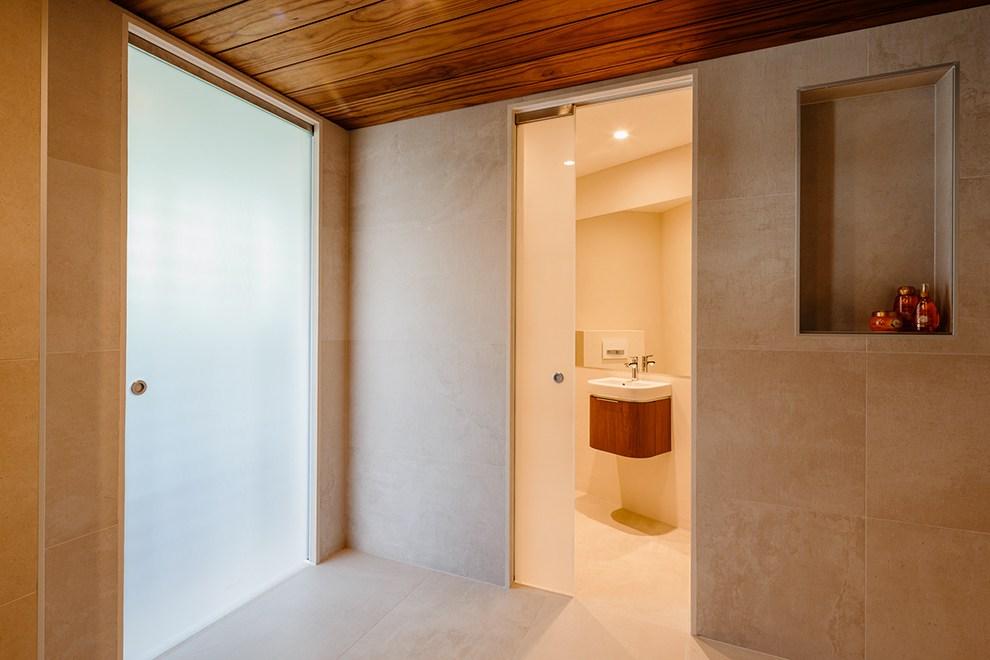 Scegliere una porta a scomparsa in vetro ville casali - Vetro per bagno ...