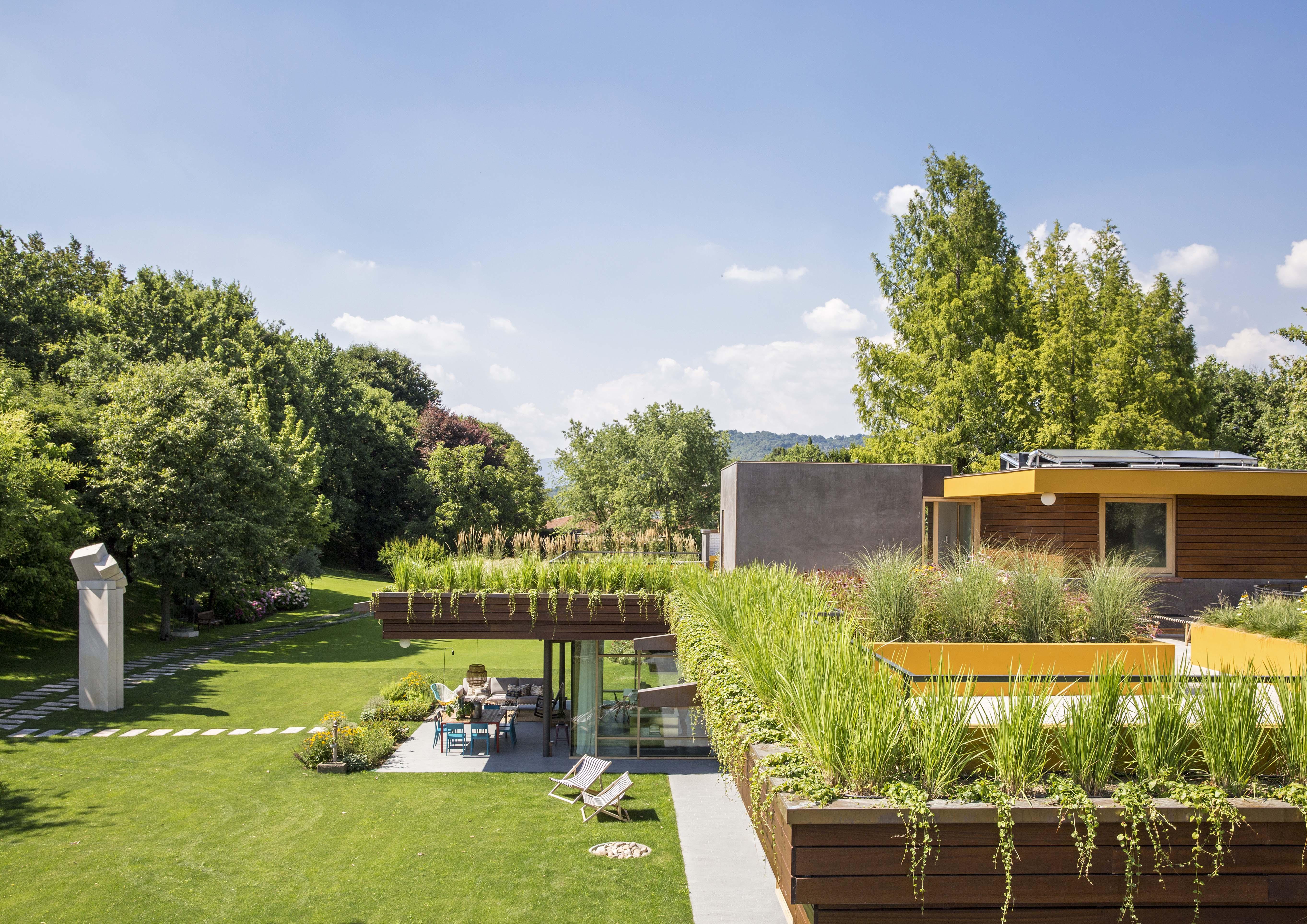Elegant casa vf una perfetta simbiosi con la natura with for Ville di campagna progetti