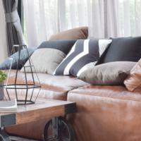 Pelle o tessuto? Come scegliere il divano