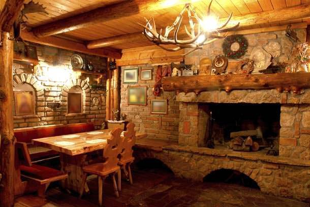 Progettare la taverna come scegliere i materiali ville for Programma per arredare la casa