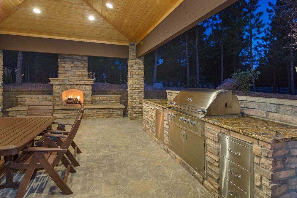 Progettare la cucina in muratura, tutti i pro e i contro - Ville&Casali