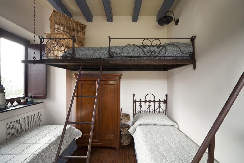 Letto a castello nella camera dei bimbi, la soluzione salva-spazio ...
