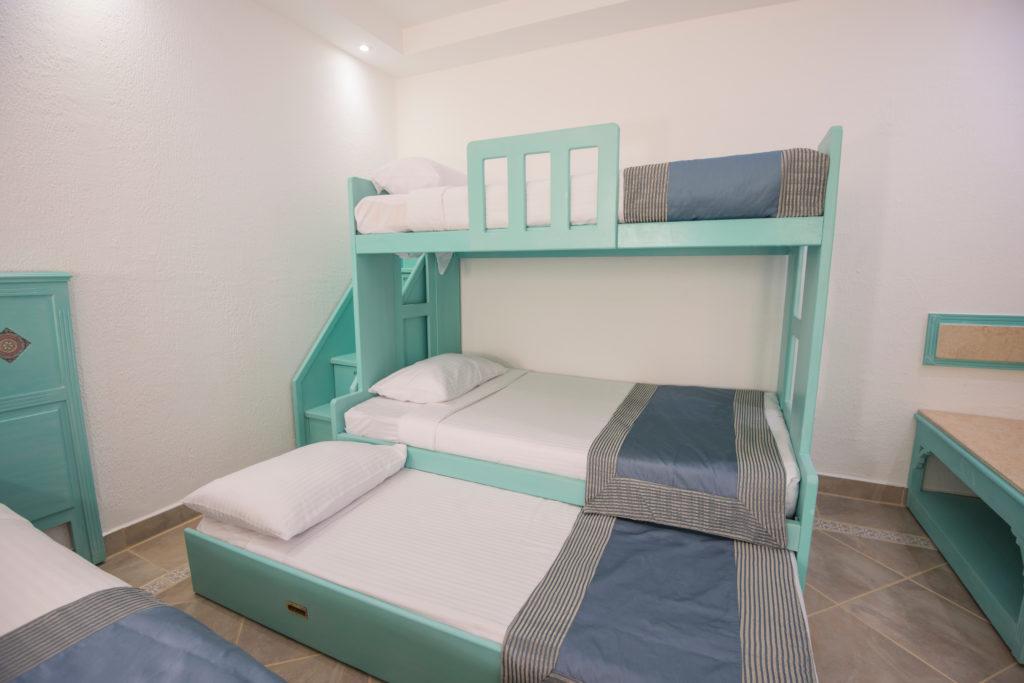 Letto a castello nella camera dei bimbi la soluzione salva spazio ville casali - Letto a castello a tre ...