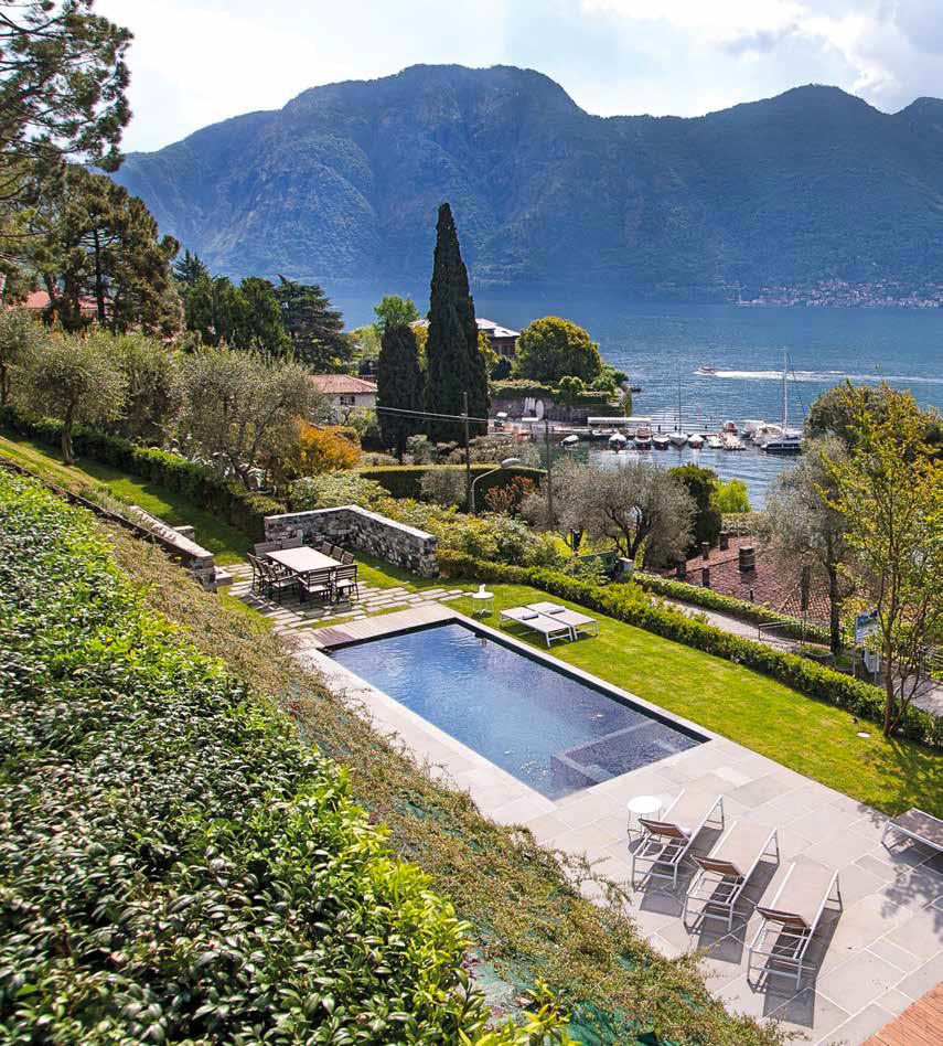 Piscina Su Terreno In Pendenza la piscina nell'outdoor di casa, i migliori progetti in