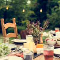 Apparecchiare la tavola in estate